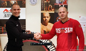 MMA and Sambo legend Fedor Emelianenko trains on the bellicon with Remy Draaier.